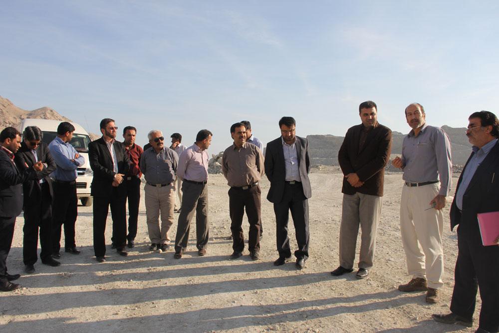 بازدید رئیس سازمان از کارخانه سیمان هرمزگان