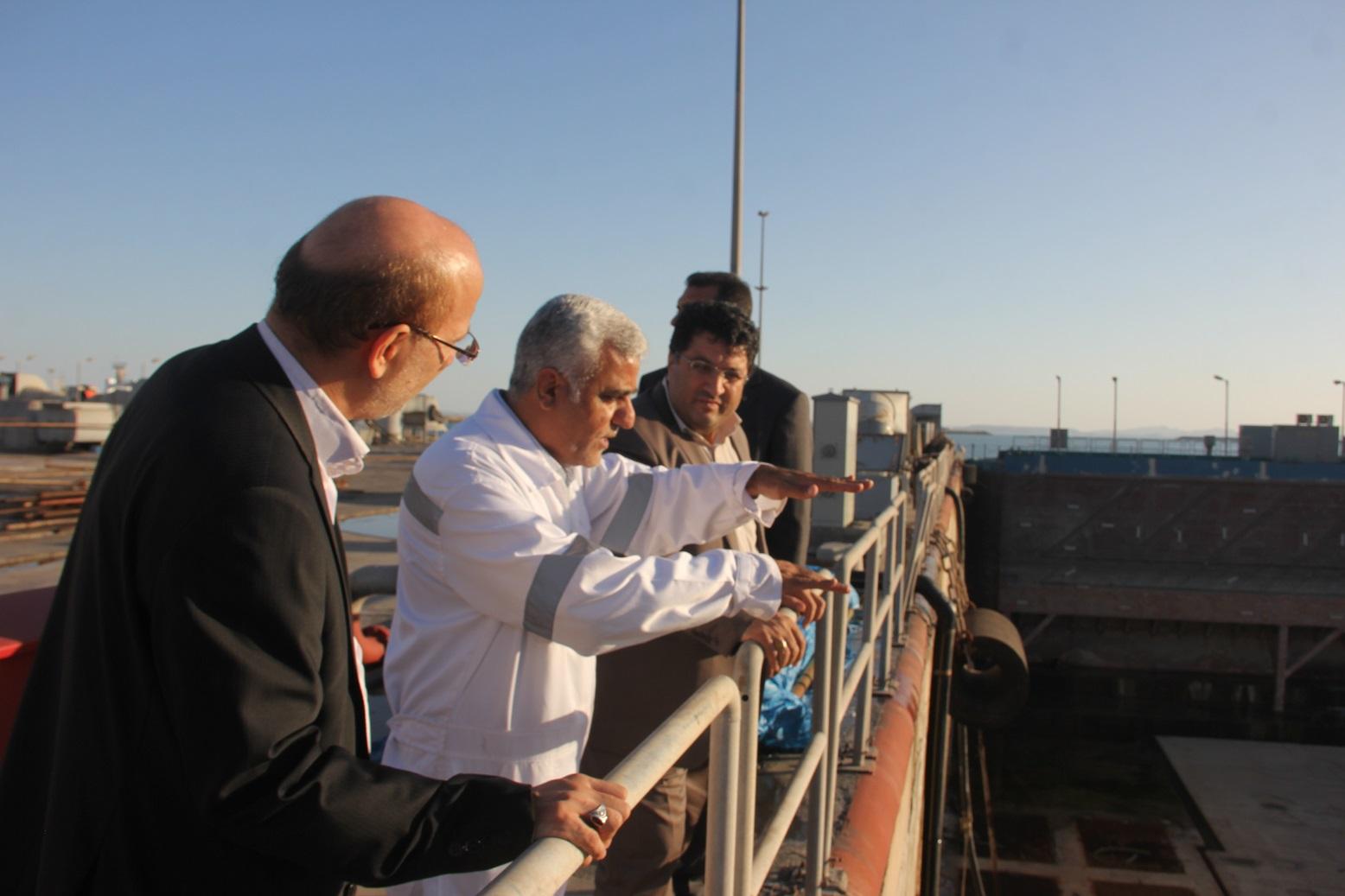 بازدید معاون وزیر صنعت معدن و تجارت  و رئیس سازمان صنعت معدن و تجارت هرمزگان از مجتمع کشتی سازی و صنایع فراساحل (ایزویکو)